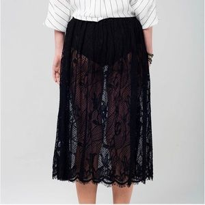 Q2 Midi Sheer Lace Skirt